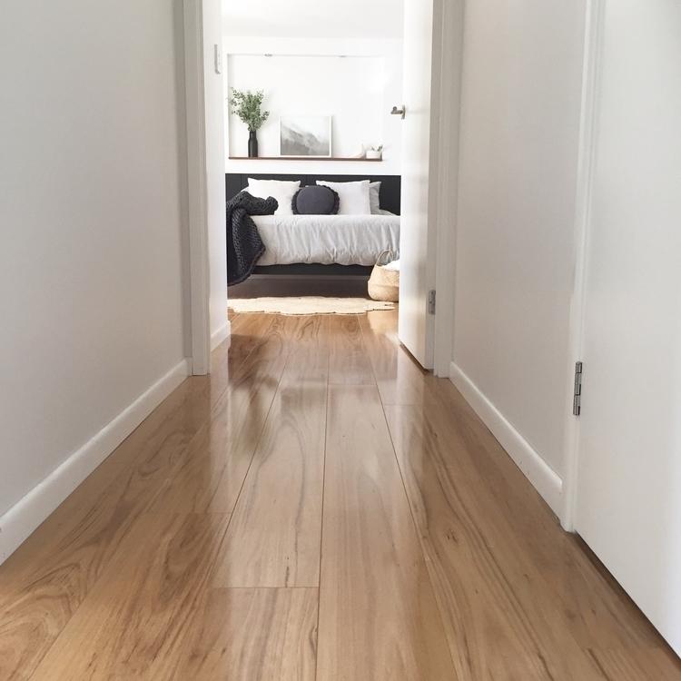 hallway 🖤  - interiors, stylist - la_style | ello
