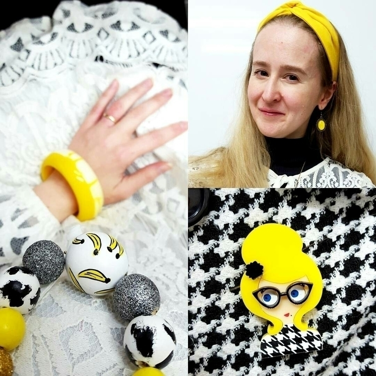 :yellow_heart:POP COLOUR:yellow - accordingtoalana | ello
