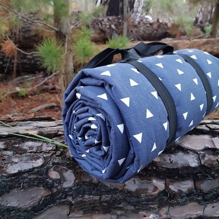 Navy hot picnic blanket super p - embyloveblankets | ello