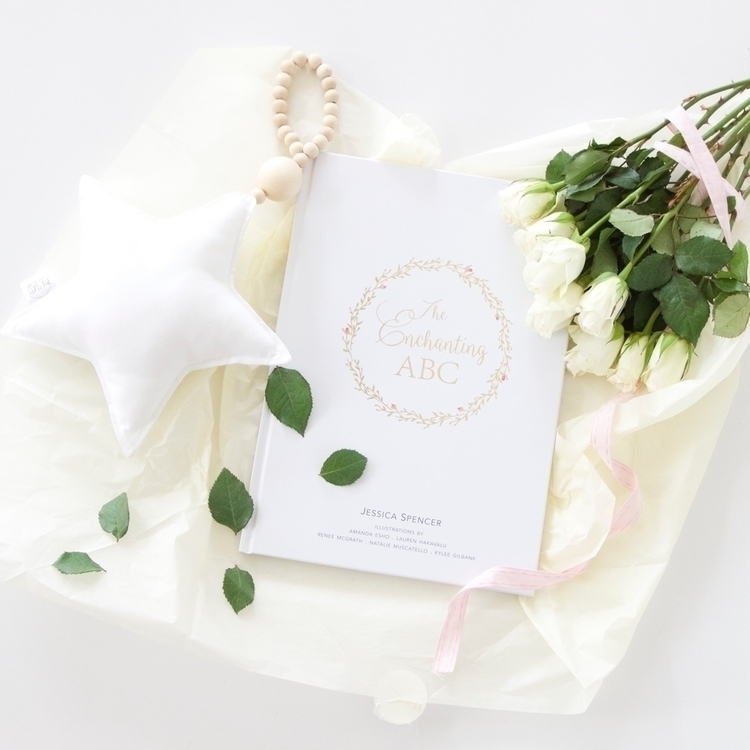 Pretty book large star drop  - flatlay - mysweetlittleroom | ello