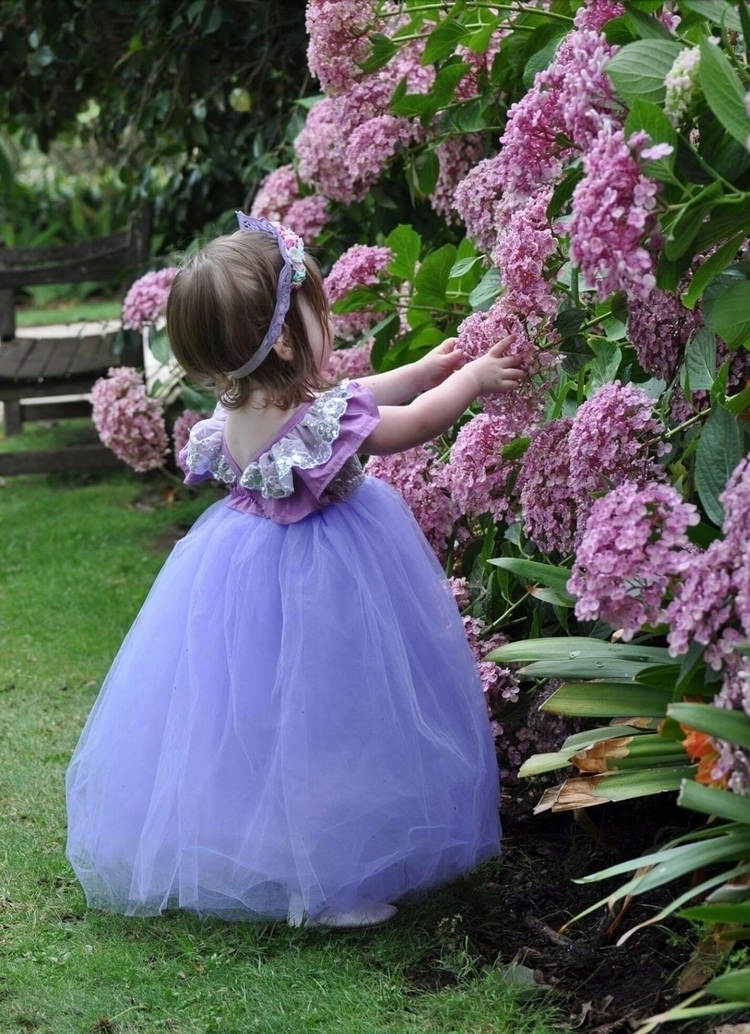 girl deserves princess day! :st - mumma_and_edie | ello