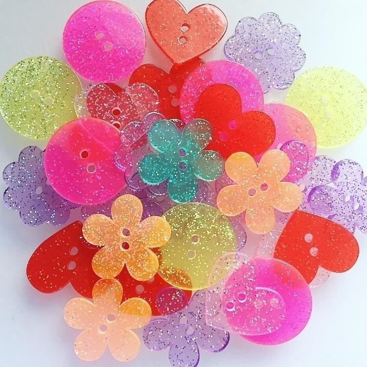 Sparkles ! :sparkles:#buttons - glittery - yanadesigns | ello
