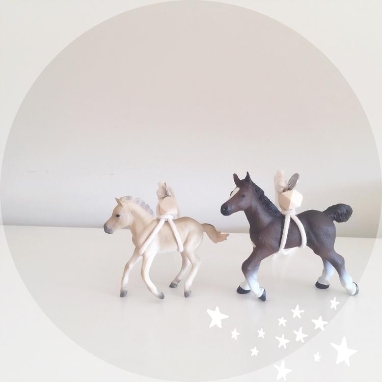 riding horses, yeah sky, darlin - squirrelandfink | ello