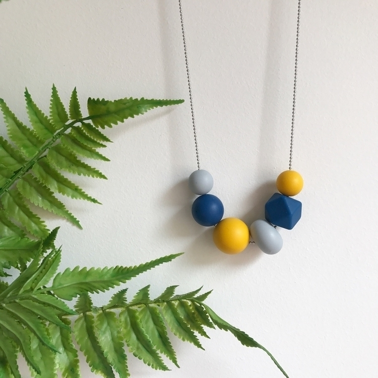 Love colours winter! love musta - evieandthebeads | ello