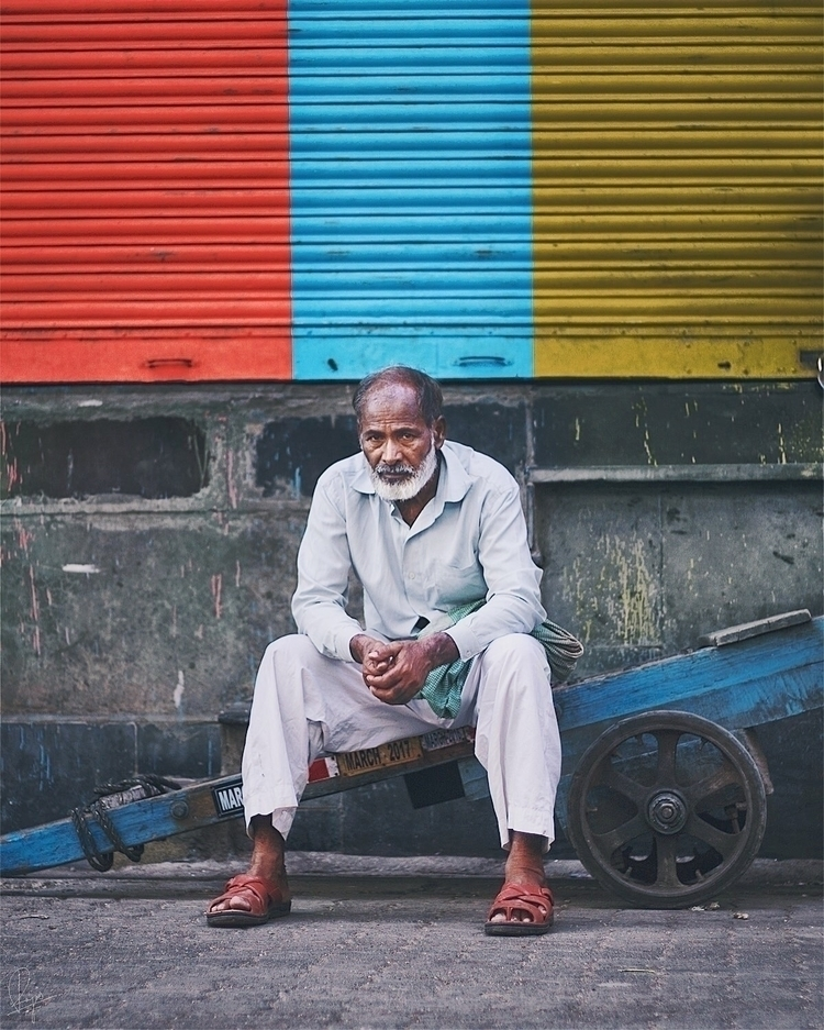 long wait - India, Mumbai, VSCO - riazhassan | ello