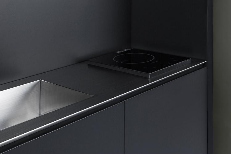 space saving minimalist kitchen - barenbrug | ello