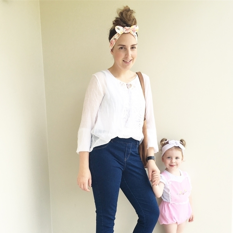 Mummy + (Holly) Poppy girl! fac - topknotgirl | ello