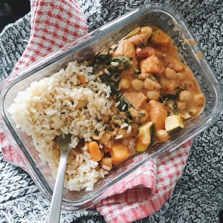 Coconut curry  - vegan, vegansofig - kaela_cooks | ello