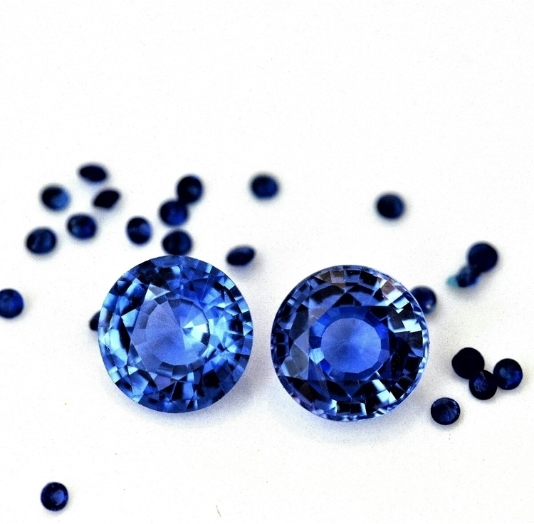 Sapphires. stone selection pair - atelierdiamant | ello