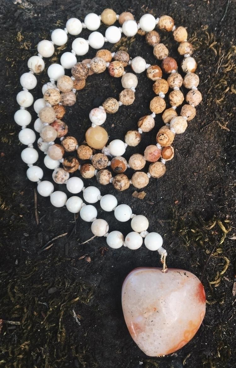 Howlite beaded necklace Agate s - gypsyxjewels | ello
