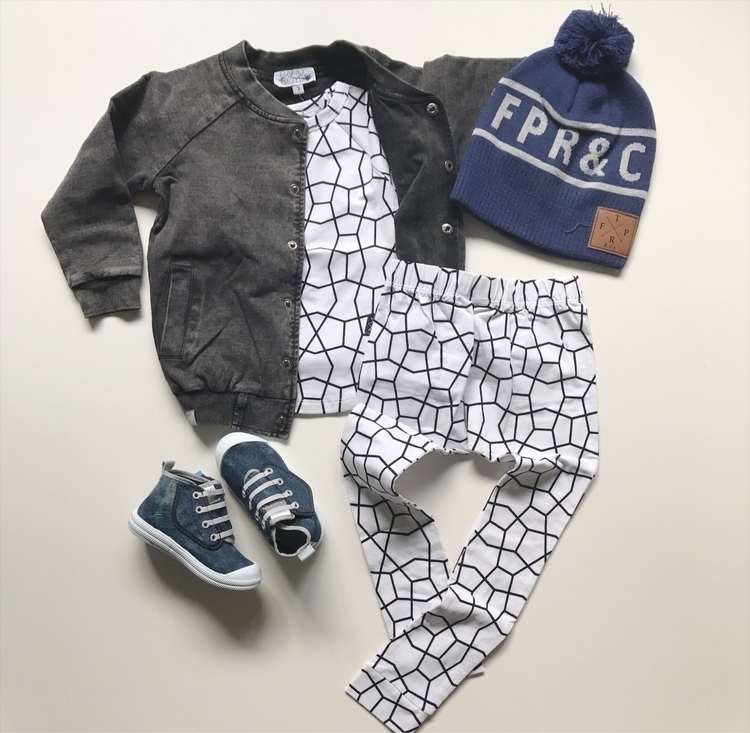 OOTD - shop, flatlay, elloshop, kidsshop - threadsforboys_ | ello