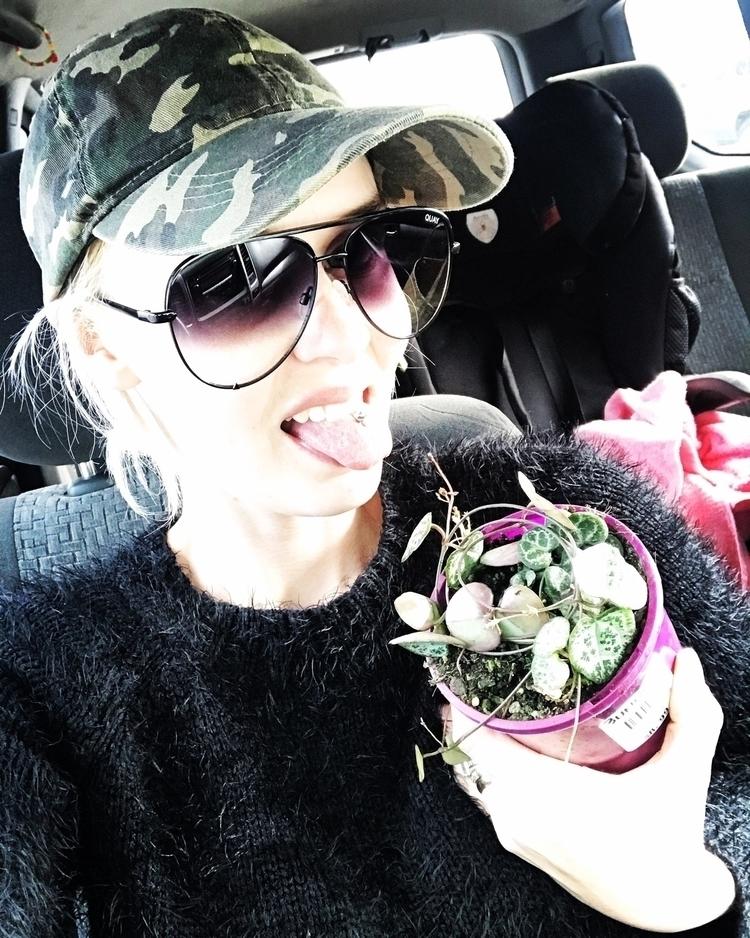 Crazy plant lady fo' life - chainofhearts - hashtagselfiesnaps | ello