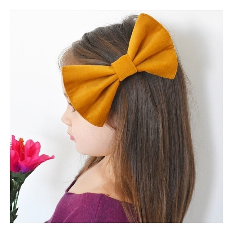 TAHLIA showing Mustard Big Bow  - pynk_ginger | ello