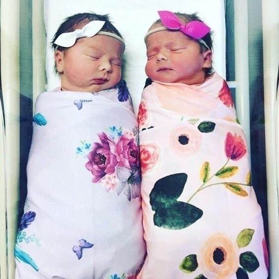 swaddles baby twins die cutenes - harlzandhaven | ello