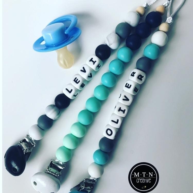 Chains posted! Black clips :rai - mtncreative | ello