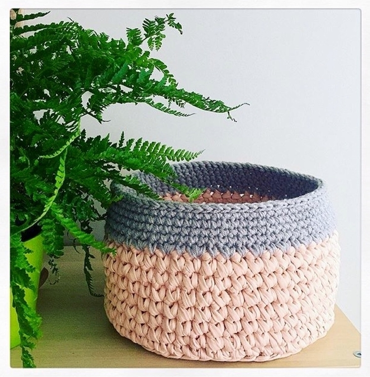 crochet baskets colour combinat - sashcreativedesigns | ello