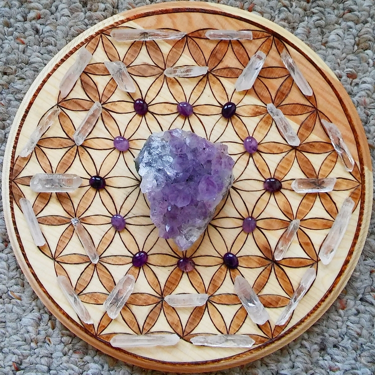 win crystal grid check - handmade - hyrulian_creations | ello