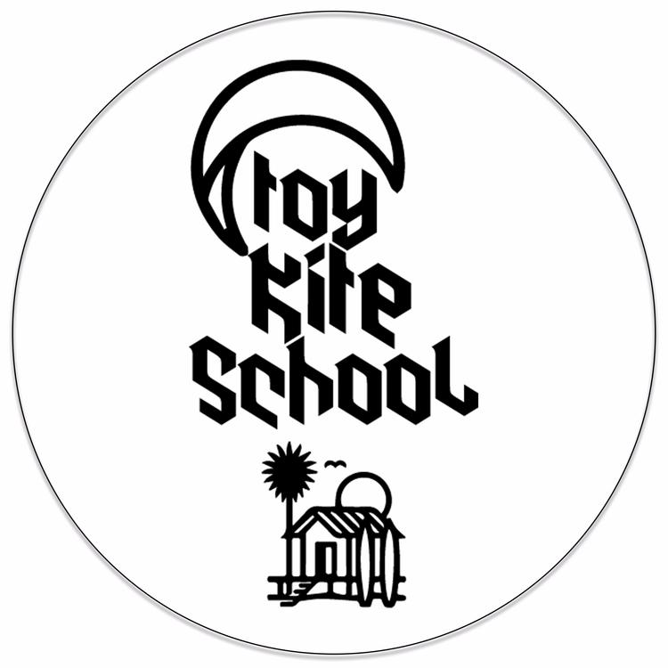 Toy Kite School - works, design - fernandogrdivac | ello