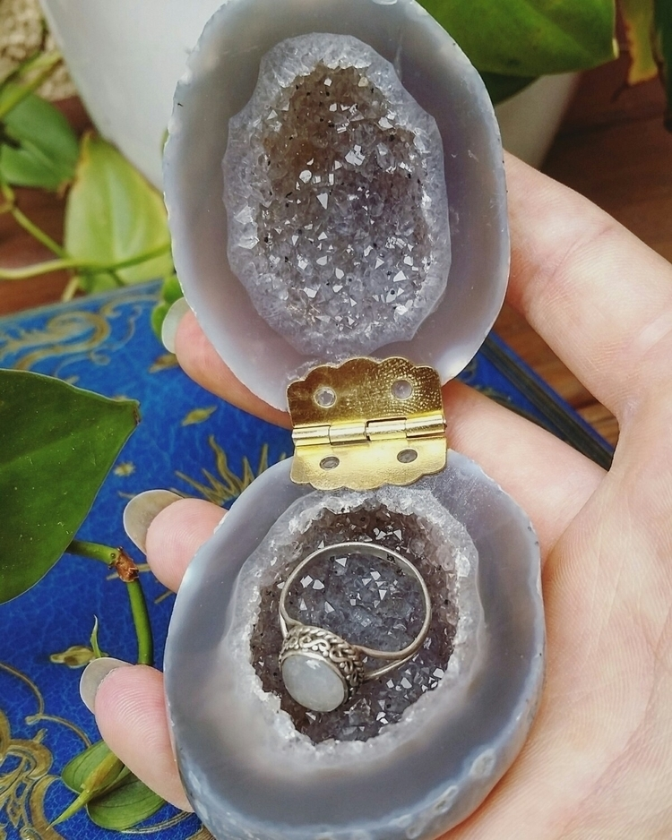 Geode engagement ring box shop  - nakedgemstudios | ello