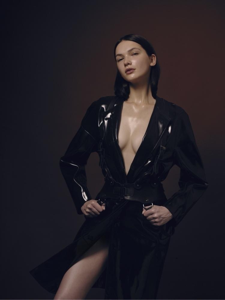 Nadya - Glitche, fashion, destruct - nicksushkevich | ello