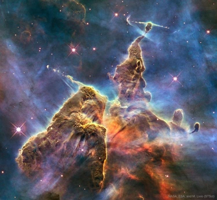 Mountains Dust Carina Nebula -  - valosalo | ello