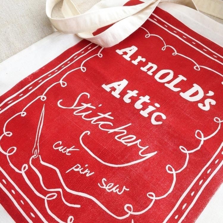 Making bags. :scissors:️ :sciss - arnolds-attic | ello