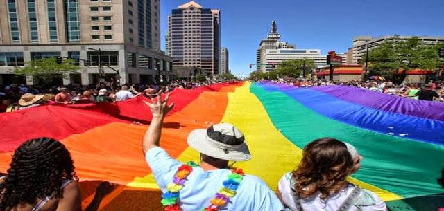 Ομολογία ομοφυλόφιλου στις ΗΠΑ - iro81 | ello