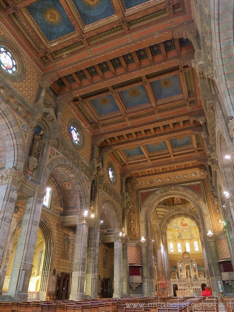 Milan (Italy): Interior Basilic - milanofotografo | ello
