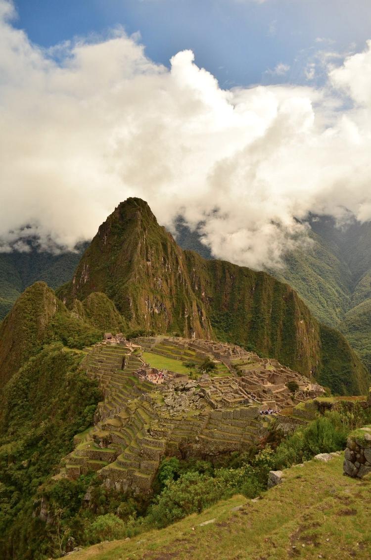 lucky weather Machu Picchu. rai - locart | ello