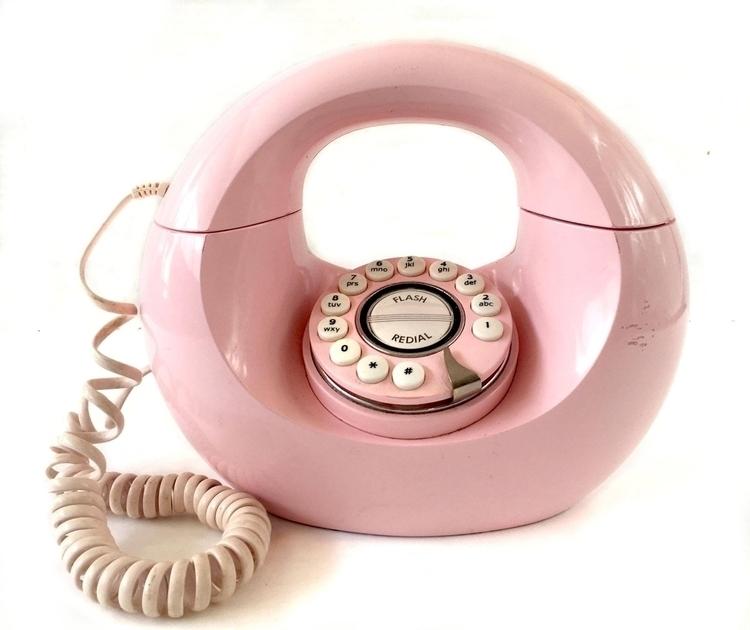 LOVE pink perfect - Vintage, DonutPhone:heartpulse::heartpulse: - ellothrift | ello