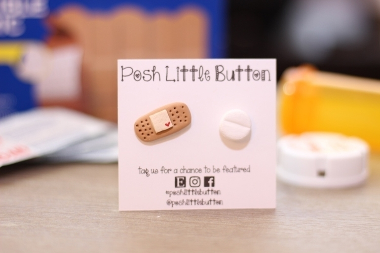 Band-Aid Pill earring.  - jewelryblogger - poshlittlebutton | ello