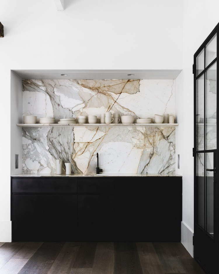 Marble slab kitchen backsplash - upinteriors | ello