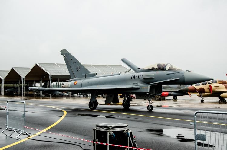 spanish Eurofighter Typhoon tax - ipopierro | ello