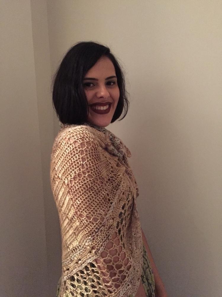 love Hotel Bees shawl aspoonful - crochetcakes   ello