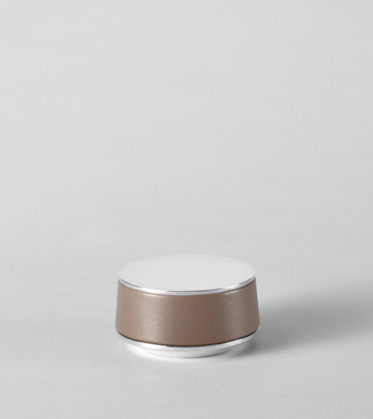 Design: atelier oï - minimalist | ello