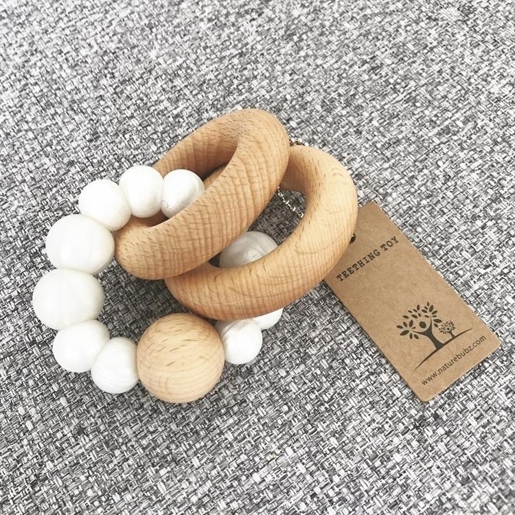 Luna rattle Pearl. Soft chewabl - naturebubz | ello