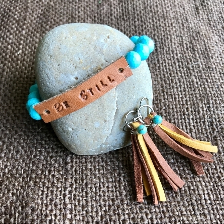 reminder busy world  - bestill, turquoise - saia_and_hager   ello