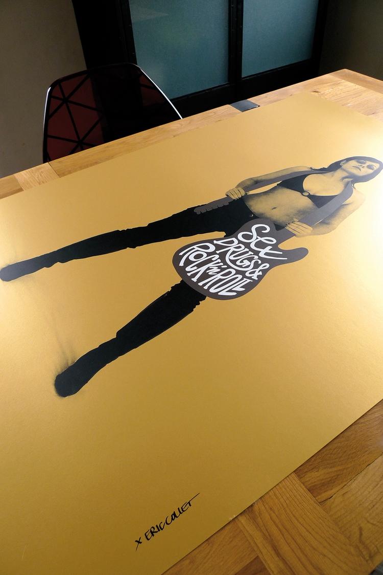 printed gold paper Eric Collet  - dezzig   ello