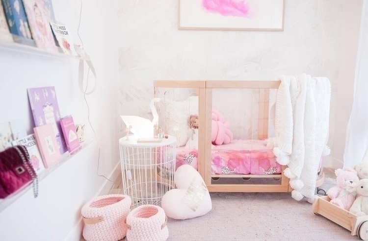 LumiCo Swan stunning babes room - mynightlight | ello