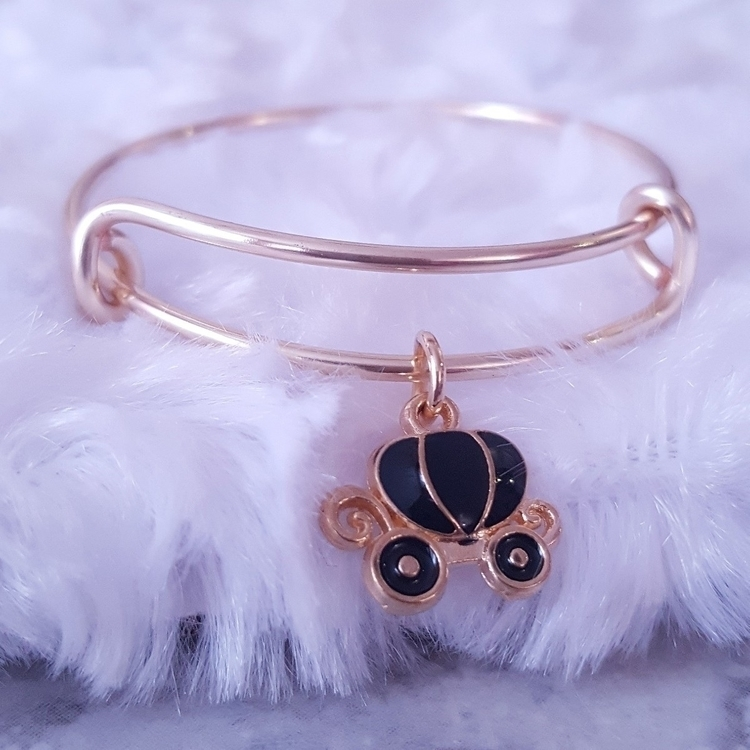 Princess Carriage Charm Bangle  - pinkbutterflybella | ello