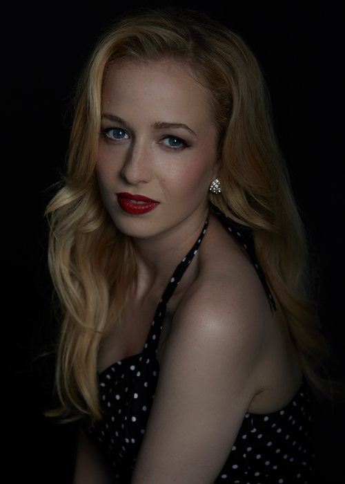 Beautiful Portraits Holli Demps - headshotsportraits | ello