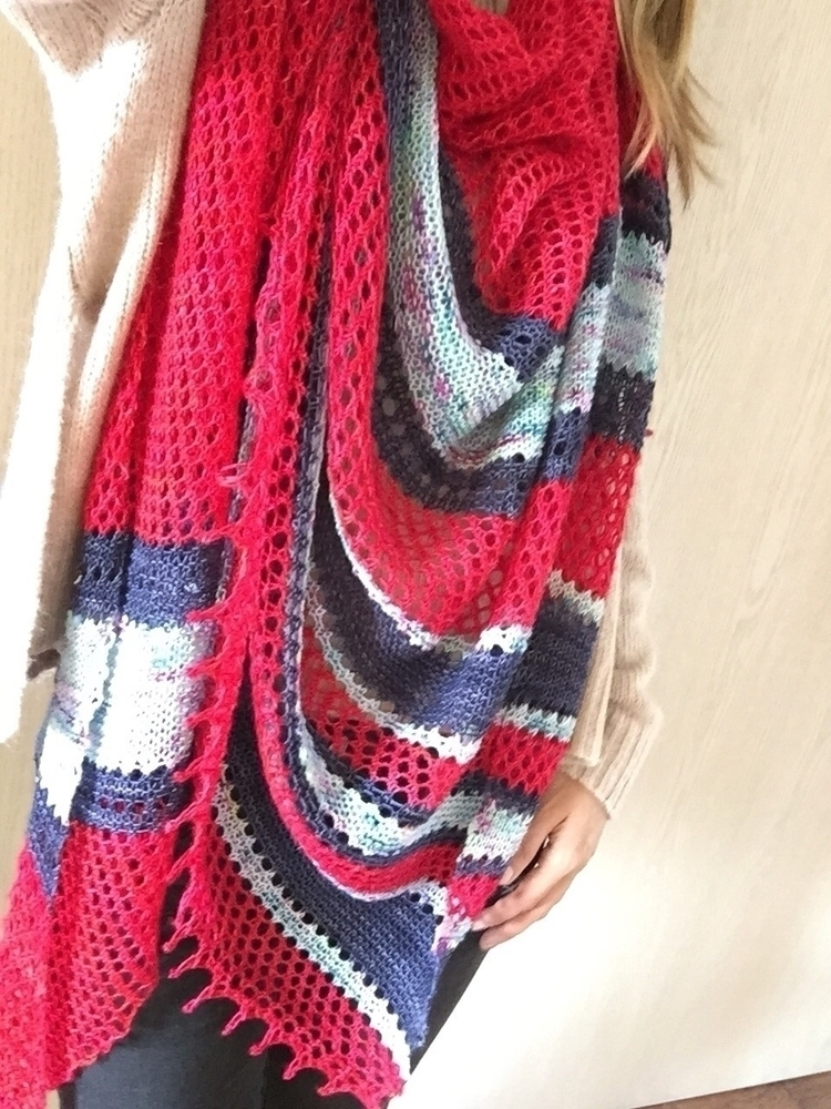 Top pic: finished Close shawl!  - chileknitz | ello