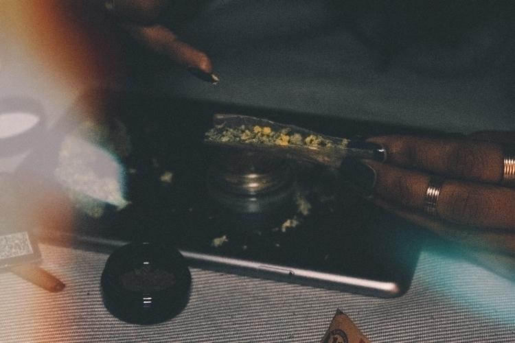 minimal, cannabis, 420, marijuana - tsering | ello