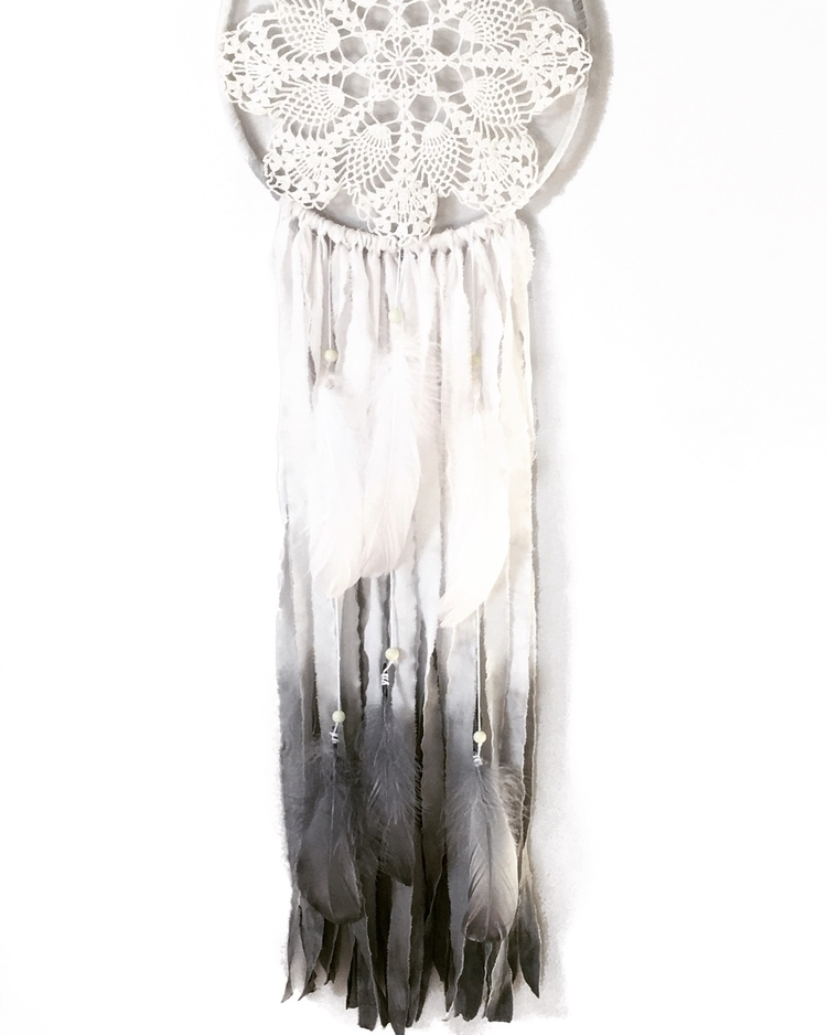 Yay Friday. great weekend  - dreamcatcher#ombre#ombredreamcatcher#wallhanging#boho#vintage#grey#nurserydecor#decor#nurserystyle - willalynandme | ello