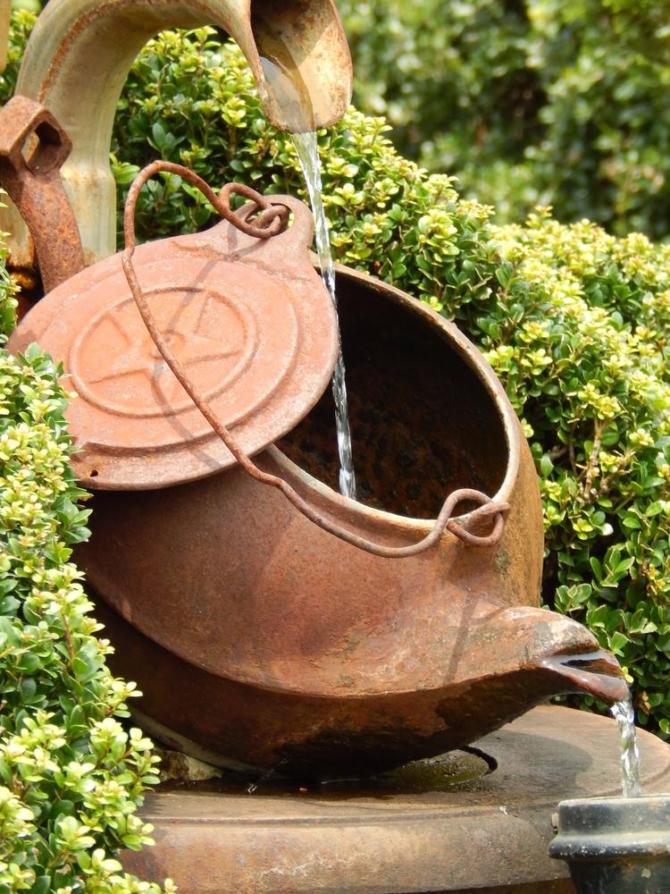 Teapot Fountain, Pearl Friar To - bekah_h | ello