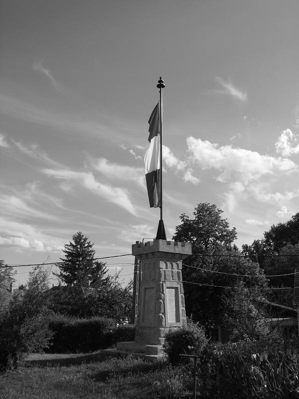 világháborús emlékmű (Zsámbék - latnivalo - turabazis | ello