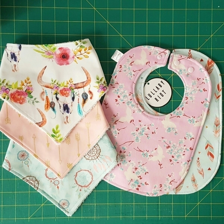 Love selection bibs! cute order - lullabyriot | ello