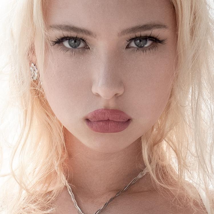 Sam - portrait, portraiture, beauty - 3than4llen | ello