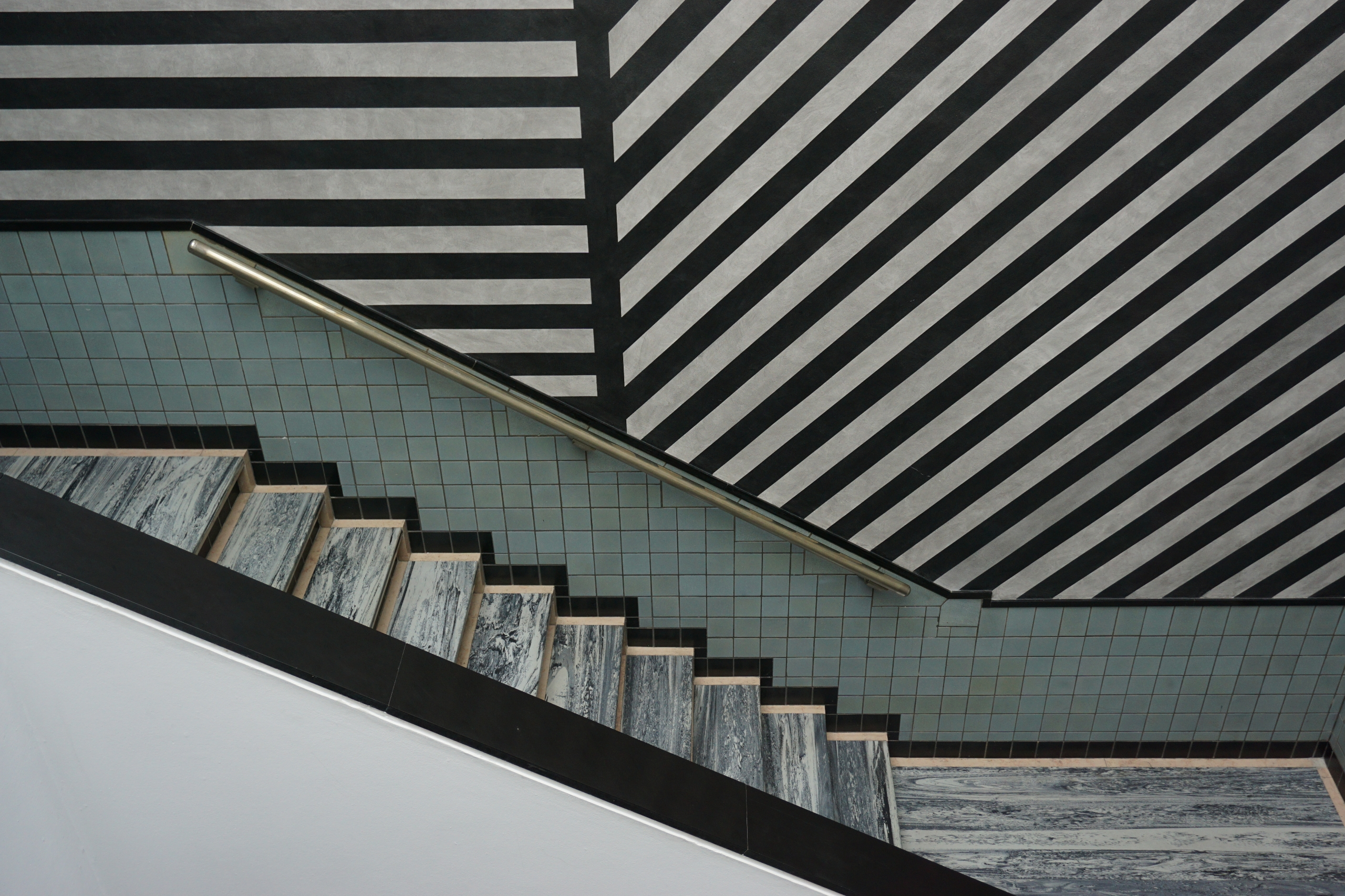 Gemeentemuseum Den Haag - Trapp - bartvancoillie | ello