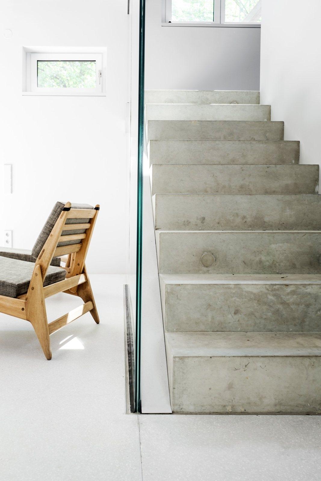 Concrete stairs. House Prenzlau - upinteriors | ello